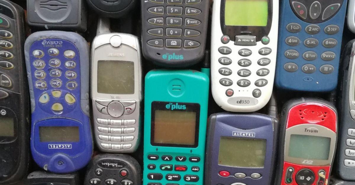 12 Handys 90er