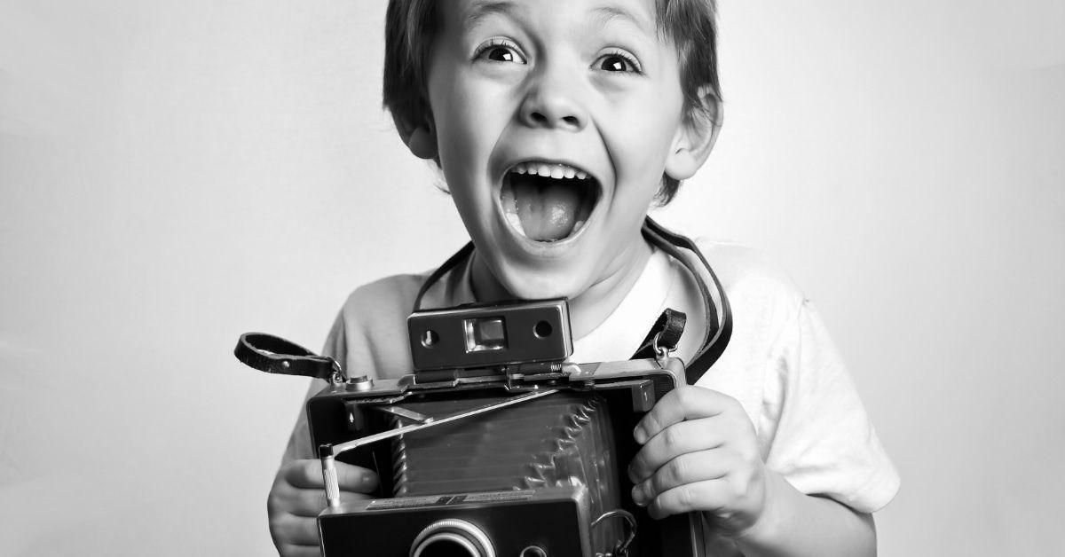 Nachgestellte Kinderfotos