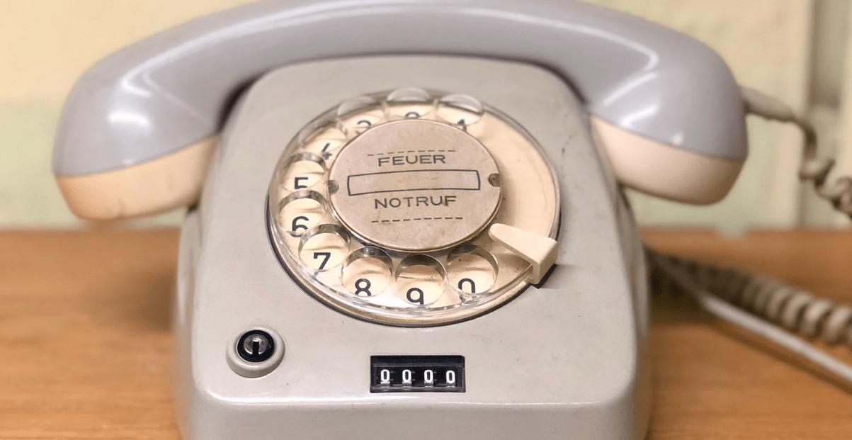 Situationen ohne Handy vor 2000