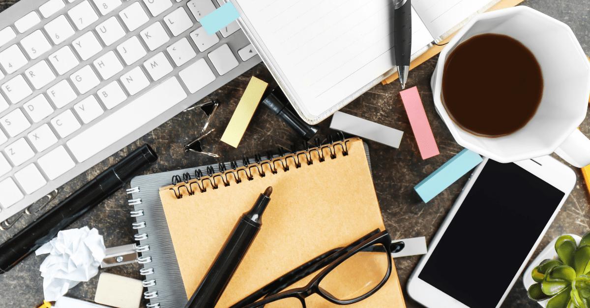 Chaos Rechtschreibung Notiz Schreibtisch Quiz