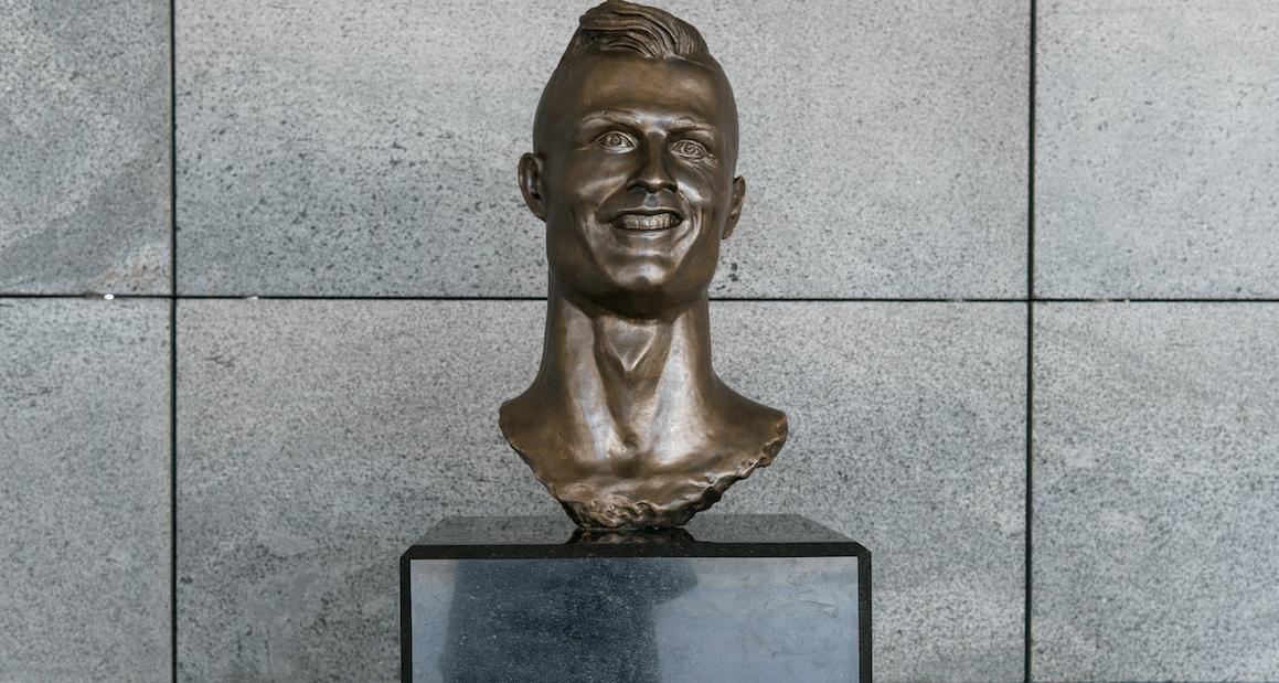 Hässliche Statuen von Stars