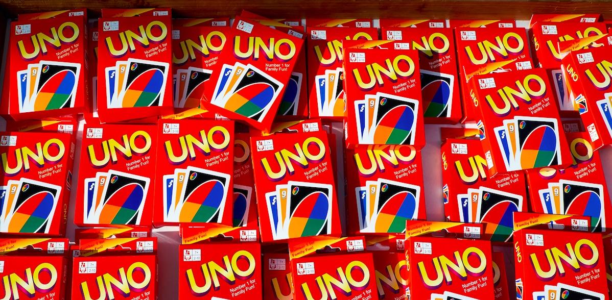 """Die Macher von """"UNO"""" sagen, du kannst keine +4 oder +2 Karten stapeln!"""