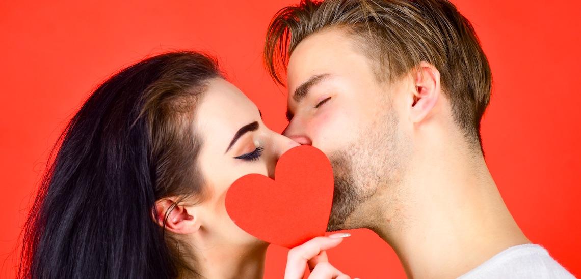 25 schnelle, schmutzige oder heiße Fakten rund ums Küssen!