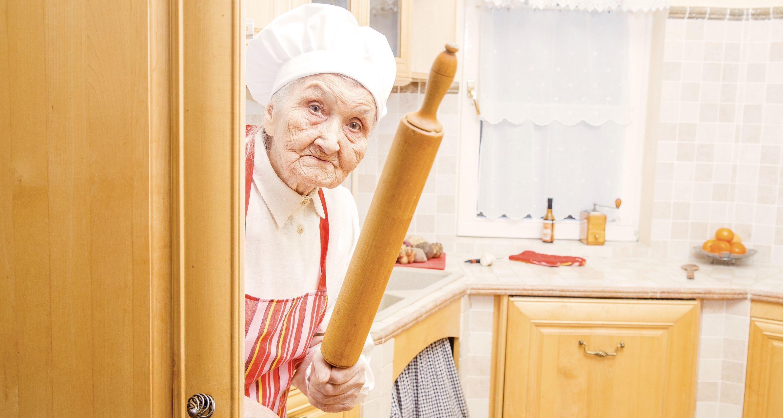 16 schräge Omas mit echt seltsamen Angewohnheiten!
